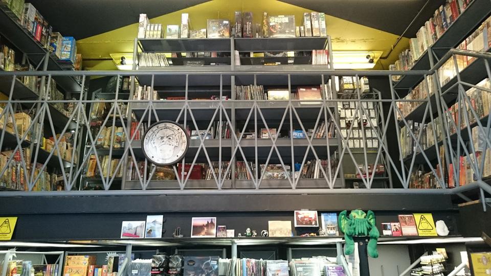 イギリスのボードゲームショップ『Orcs Nest』:中2階